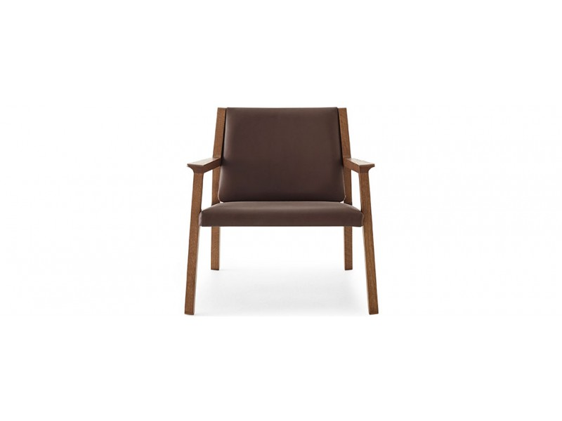 Ari UP - Studio Pip Armchair