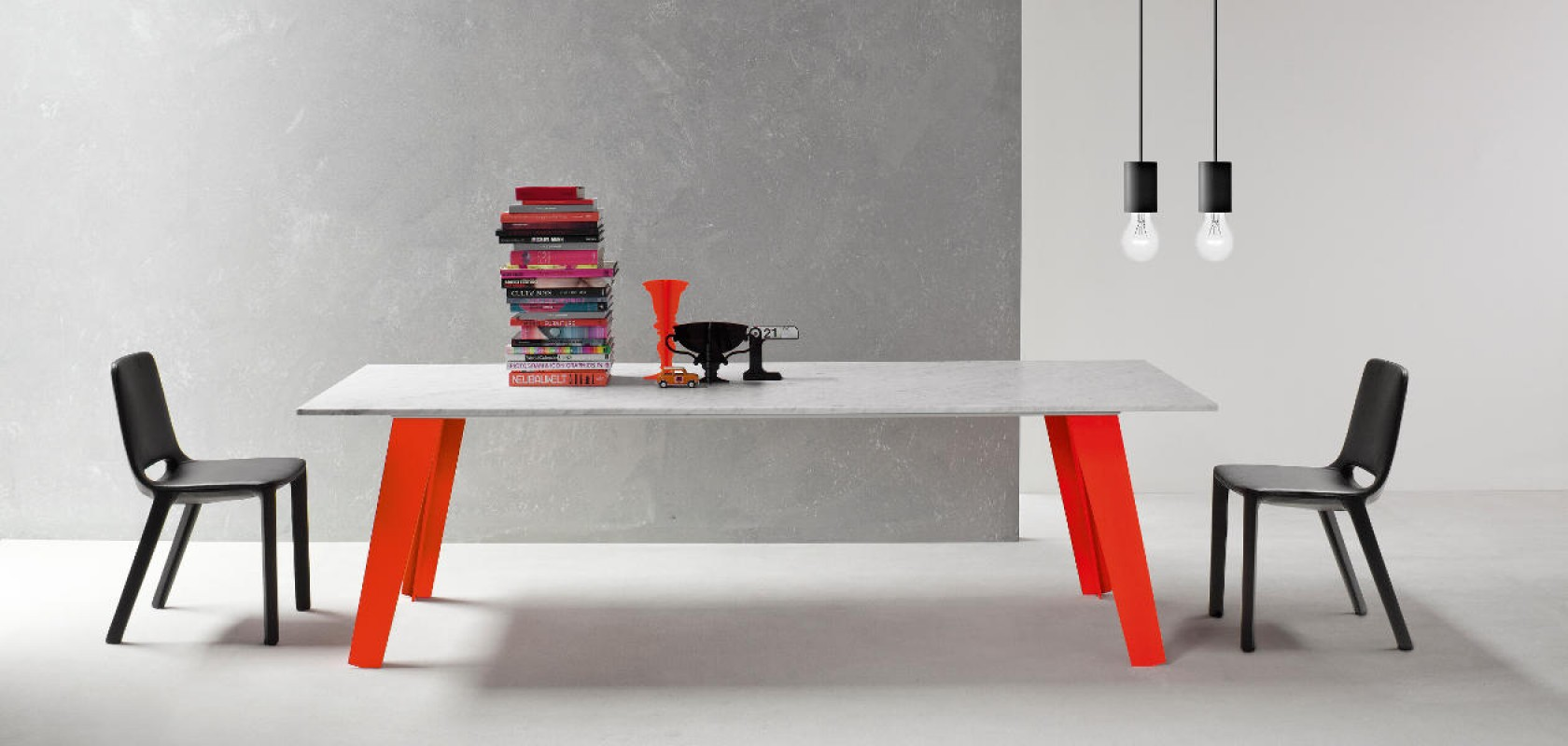 Kamar Welded Table