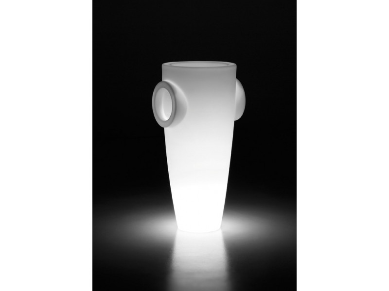 Humprey Light - Plust Lighting and Pots