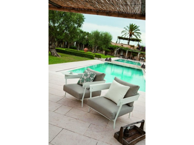 Aikana Lounge Chairs - Fast Outdoor Seating