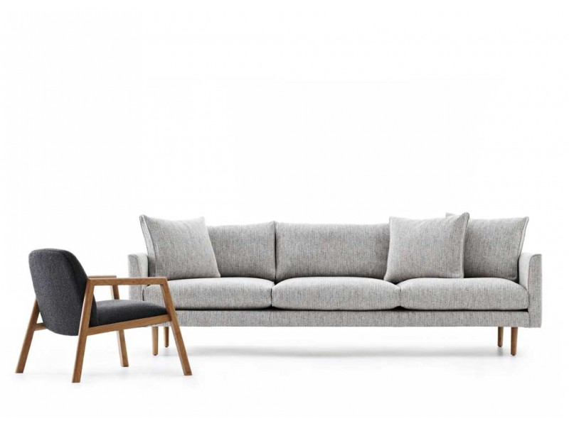 ... Smyth DEEP Lounge   Studio Pip Sofa